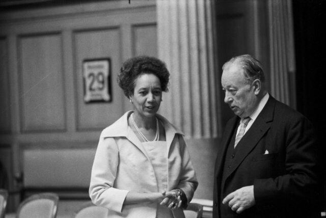 Die beiden FDP-Nationalräte Tilo Frey und Alfred Schaller im Gesprächzu Beginn der Wintersession 1971