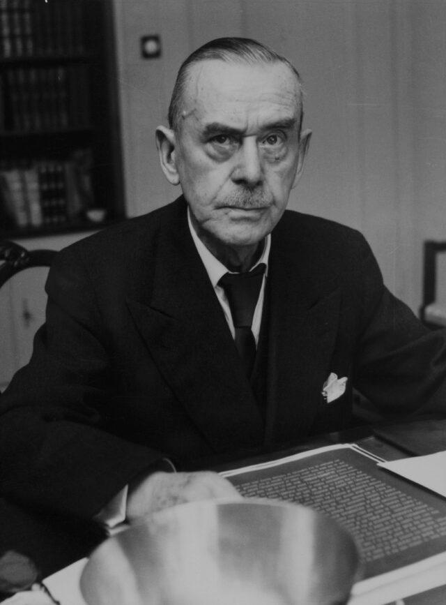 Thomas Mann am Schreibtisch