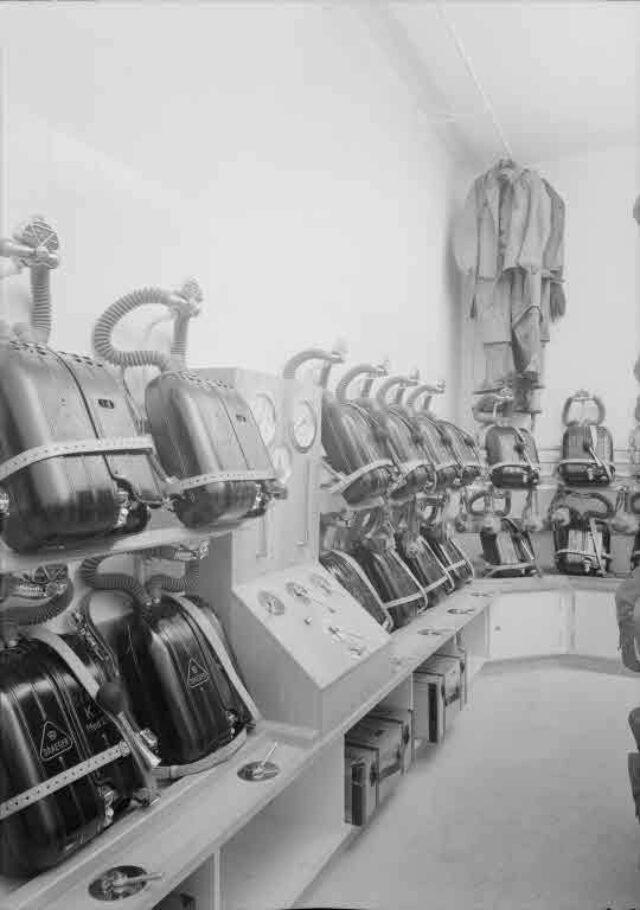 Eidgenössische Luftschutzstelle, Effingerstrasse 33, Bern: Gasmasken
