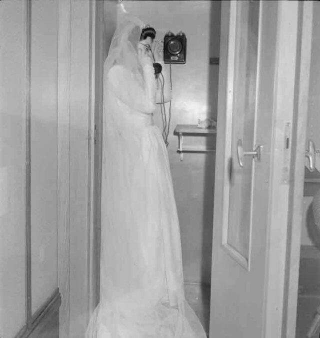 Jüdische Hochzeit von Dr. Eugen Jehuda Messinger, Mühlemattstrasse 16, Bern (Braut am Telefon!)