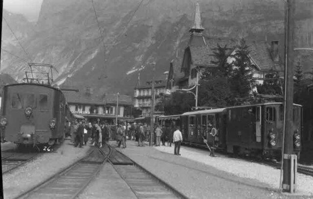 Reise einer Reisegruppe zum Jungfraujoch: Bahnhof Grindelwald