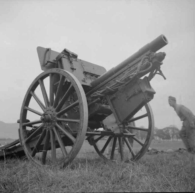 Artillerie-Défilée, Allmend: Montage einer Kanone