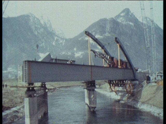 Bau Stahleisenbahnbrücke unterhalb Biberlikopf