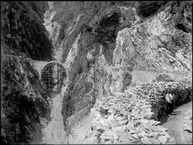Ponte in costruzione lungo la strada delle Centovalli