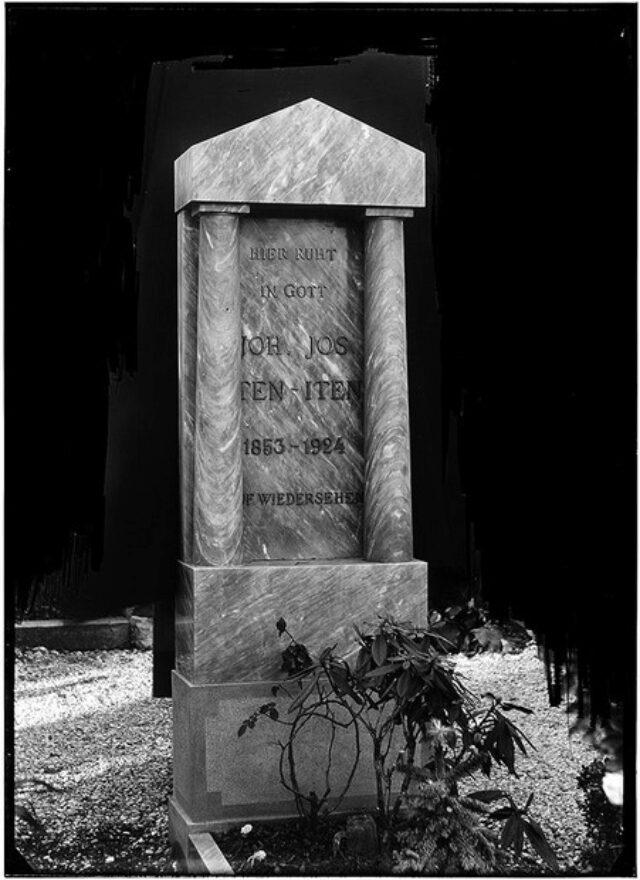Monumento cimiteriale alla memoria di Joh. Jos. Iten-Iten