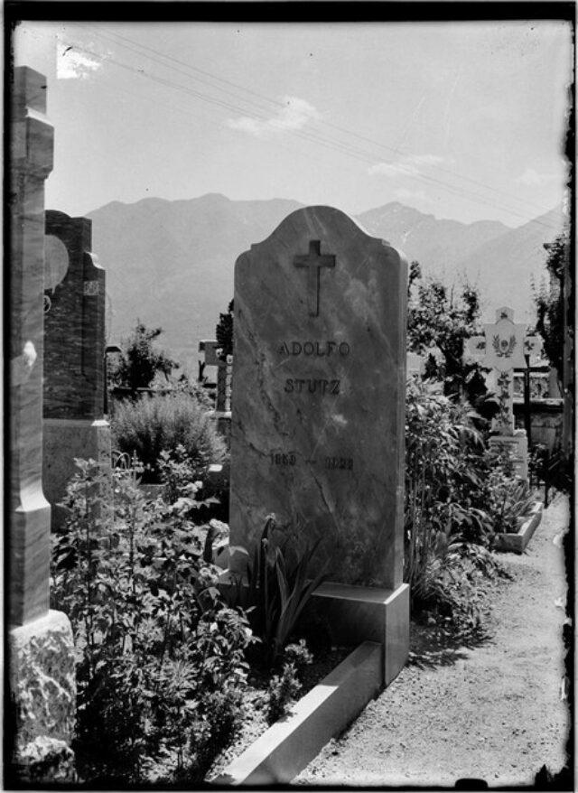 Monumento cimiteriale alla memoria di Adolfo Stutz