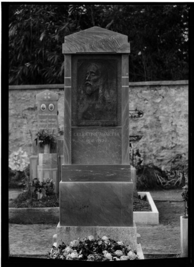 Monumento cimiteriale alla memoria di Celestina Casetta