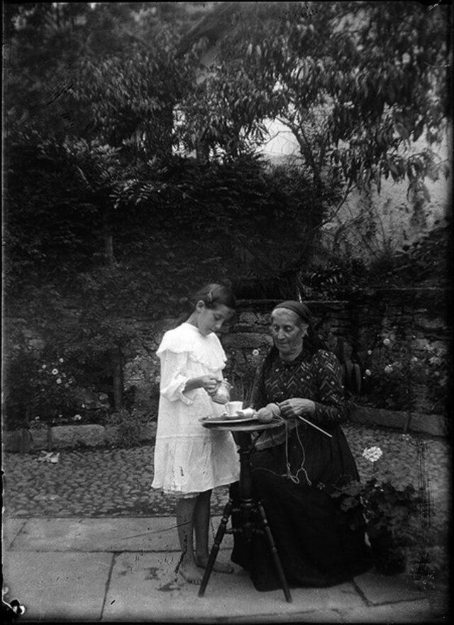 Fedela Galgiani Peri con la nipote Seconda Monotti