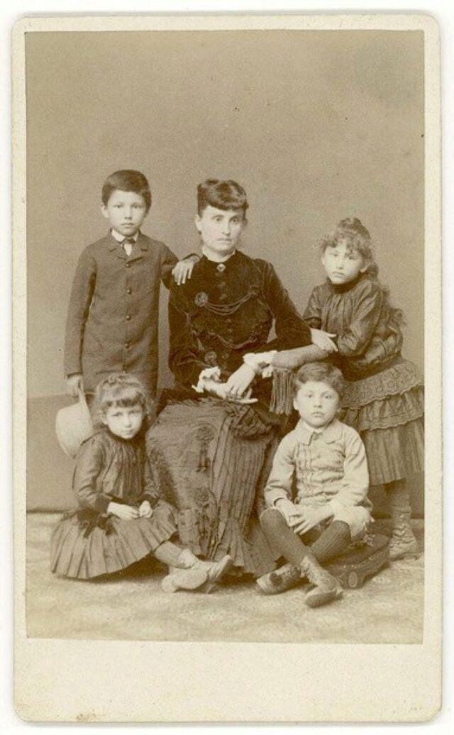 Madre con figli