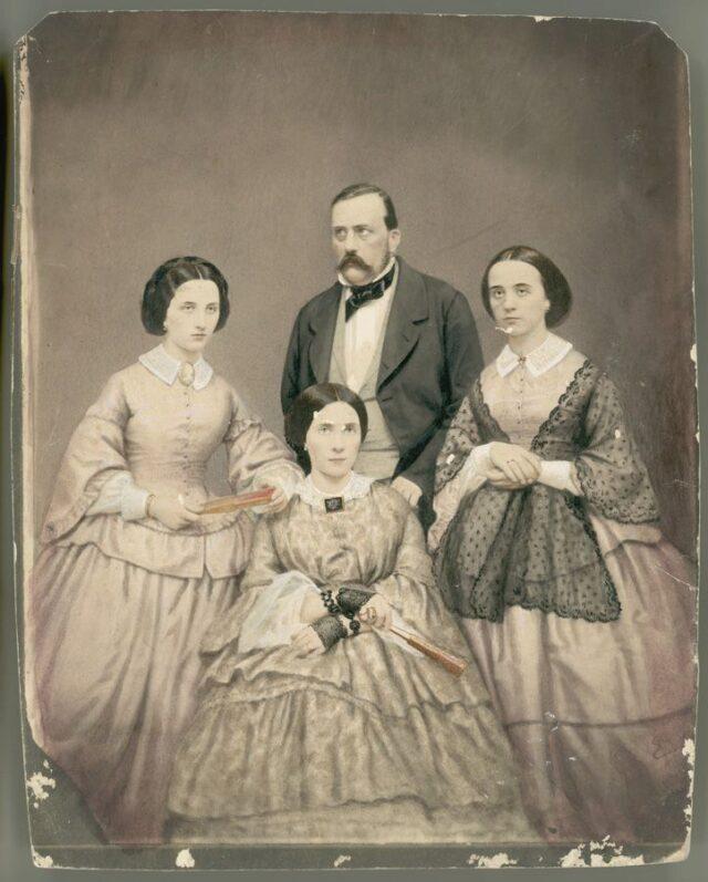 Famiglia non identificata