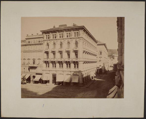 Veduta di Palazzo Modello in Piazza Unità d'Italia