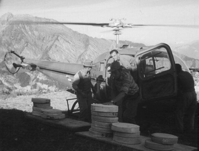 Innovazione nel Vallese: l'elicottero rimpiazza il mulo (0836-3)