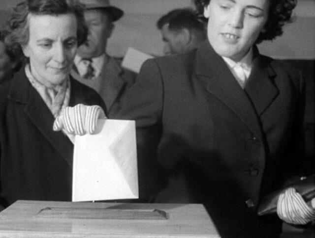 Diritto di voto per uomini… e per donne (0867-1)
