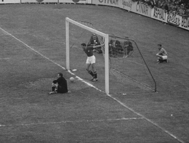 Calcio: Incontro Svizzera-Jugoslavia (0867-6)