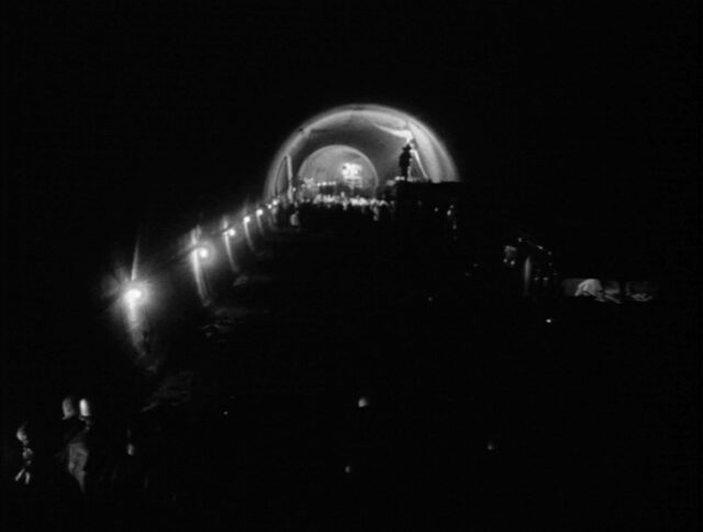 La prima galleria stradale sotto le alpi (1012-4)