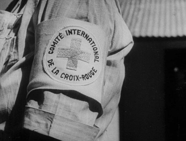 Le 100ème anniversaire de la Croix Rouge (1076-1)