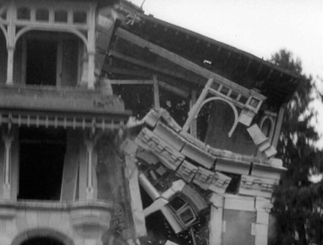 La villa de Paderewski disparaît (1182-3)