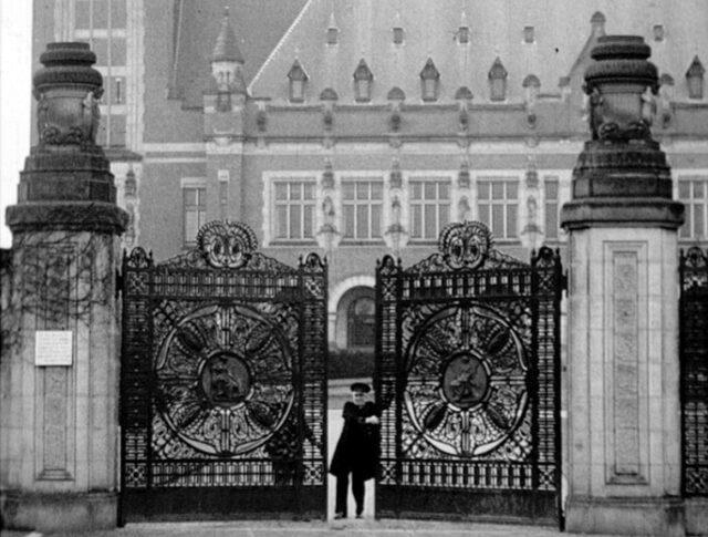 Vom Internationalen Gerichtshof im Haag (0288-1)
