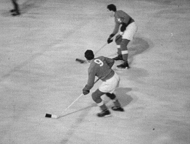 Sport. Eishockey: Tschechoslowakei - Schweiz (0288-3)