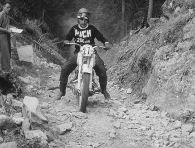 Motorrad als Maultier (0440-5)