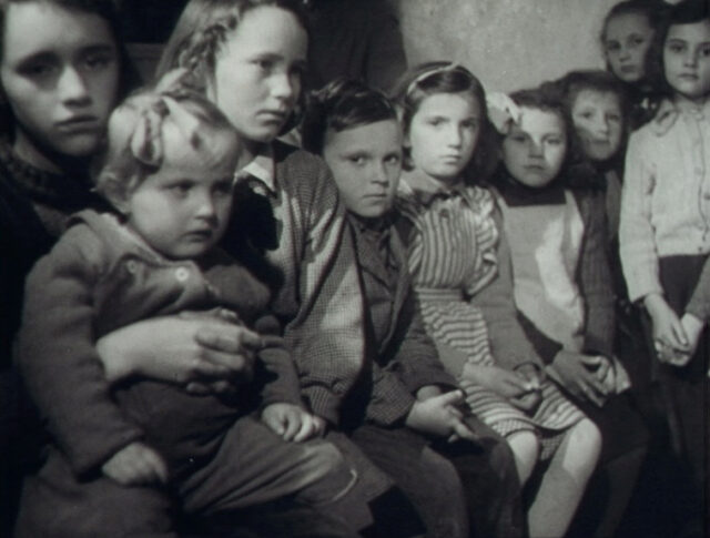 Flüchtlinge aus Triest... (0603-2)