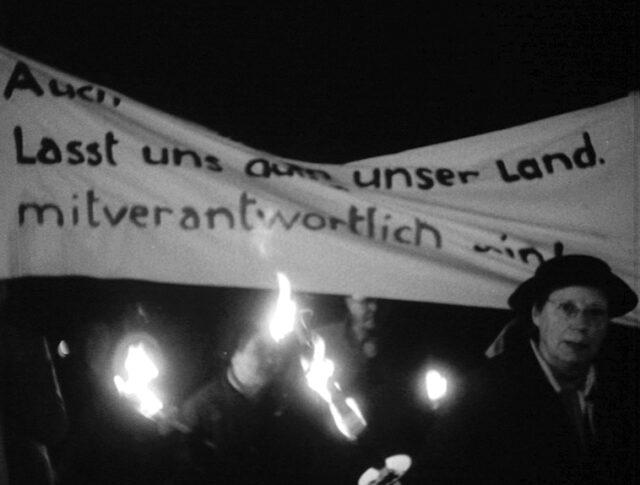 Die Schweizer Frauen wehren sich (0954-1)