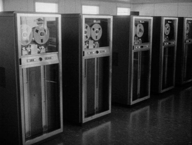 Kernforschung und Elektronengehirn (0967-1)