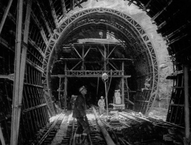 Ein neuer Alpentunnel im Bau (1042-2)