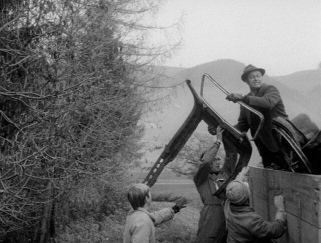 Berner reinigen ihre Wälder und Gewässer (1384-3)