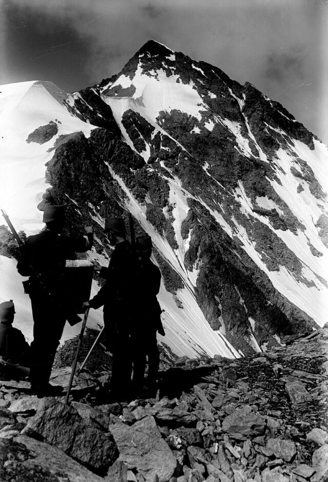 Patrouille auf dem Lattenhorn mit P. Tambo