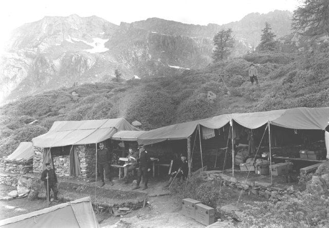 Das Regimentskommando im Biwak