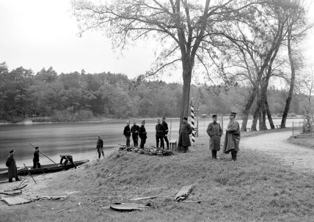 Grenzwachtposten bei der Fähre in Ellikon am Rhein