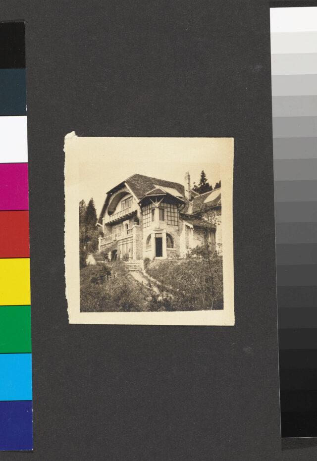 Vue extérieure de la Villa L'Eplattenier avec annexe