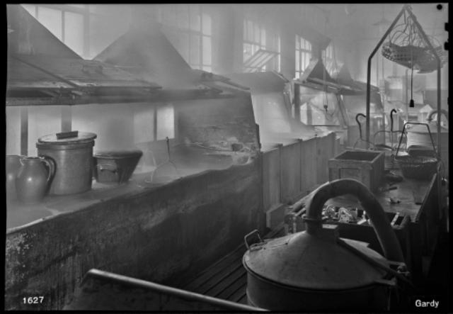Genève, avenue de la Jonction : atelier de galvanoplastie de l'usine Gardy