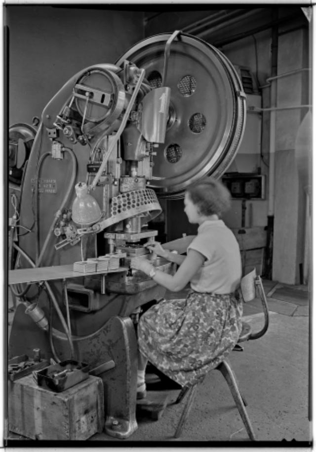 Genève, avenue de la Jonction : atelier de presses de l'usine Gardy