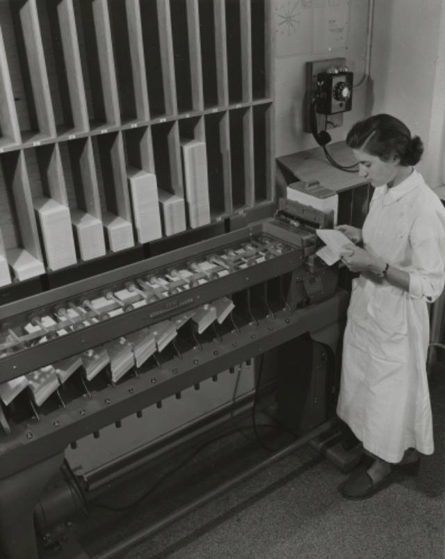 Genève, avenue de la Jonction : machine Hollerith à l'usine Gardy