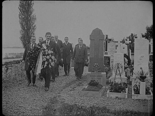 Ehrung zweier verstorbenen Turn- und Schwingerfreunde am Vortage des Schwingfestes