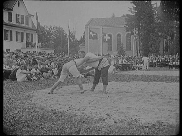 Nordostschweizerisches Schwingfest in Rapperswil. verbunden mit Trachtenfest am 19. Juni 1927.