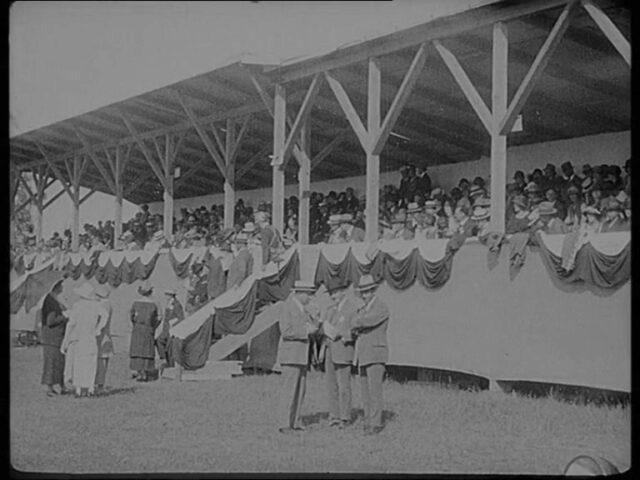 Rennen in Frauenfeld 1924 / Course de chevaux à Frauenfeld 1924 (Schweizer National Cinema Rundschau No 1 - Cinema national suisse Revue No 1)