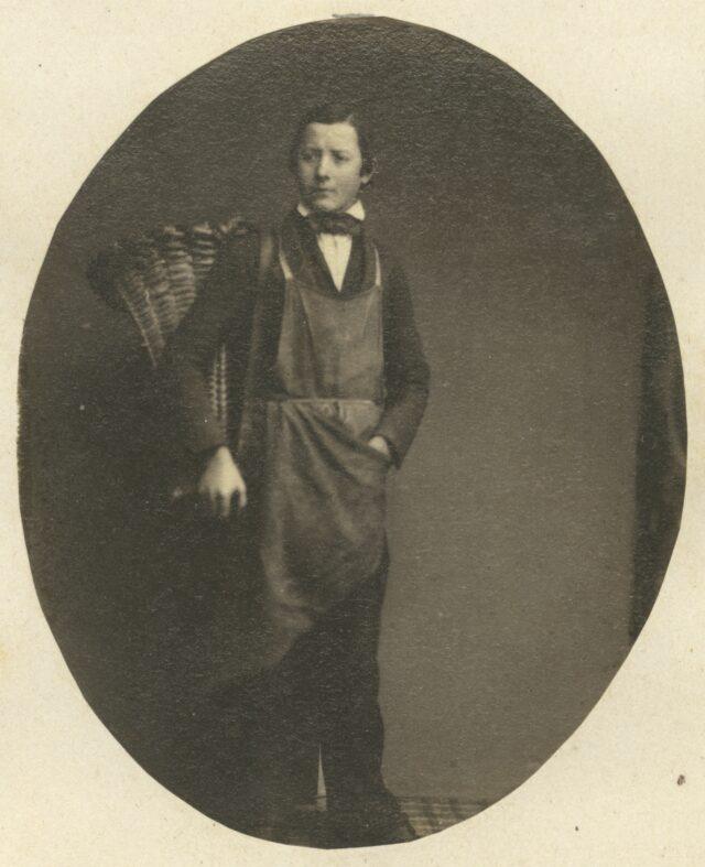 Junger Mann mit Tragkorb, um 1860
