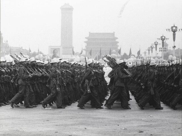 Kompanie einer Volksmiliz-Division, Parade zum 1. Oktober, Peking, 1964