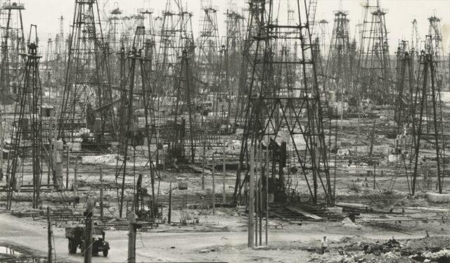 Ölfelder in Baku (Aserbaidschan), 1968