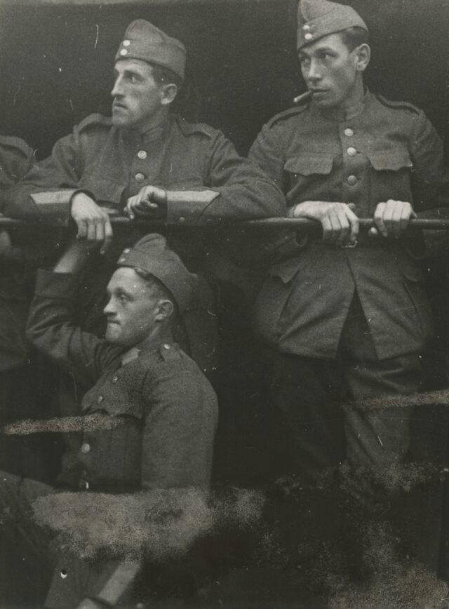 Schweizer Soldaten, um 1940