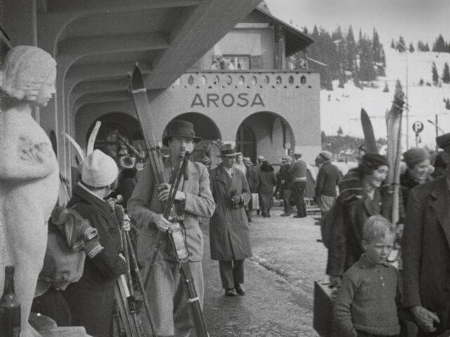 Fahrt mit der Chur-Arosa Bahn ins Skiparadies von Arosa