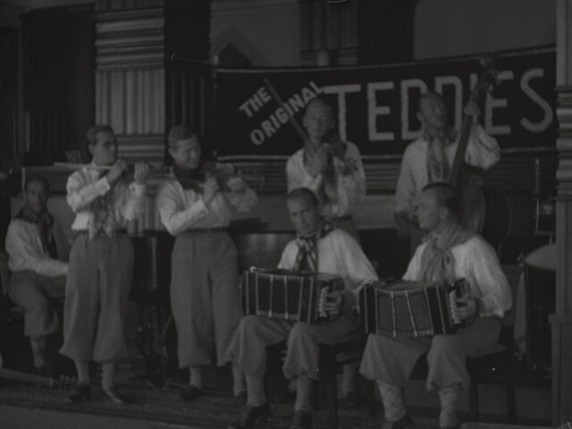 The Original Teddies an einem Hotelball
