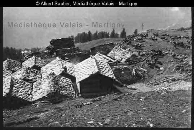 Chalets, alpage de Tsaté Evolène
