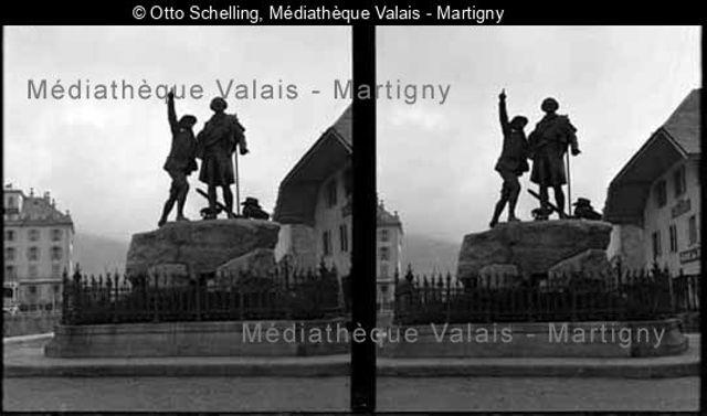 Chamonix, [statue d'Horace Bénédicte de Saussure et Jacques Balmat]