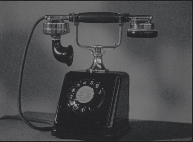 Das Telefon im Wandel der Zeit – Trilogie: Der Telefonapparat, die Telefonleitung, die Telefonzentrale