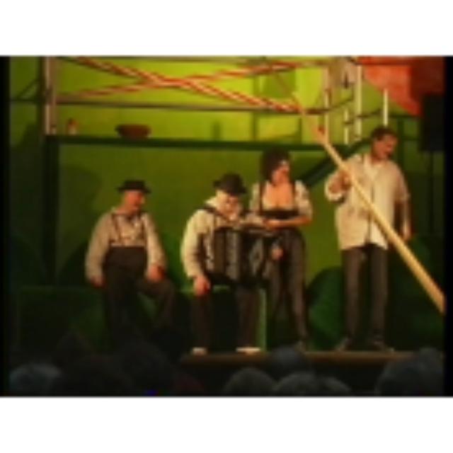 s isch äben e Mönsch uf Ärde – Ein musikalischer Theaterabend ausgehend von Schweizer Volksweisen