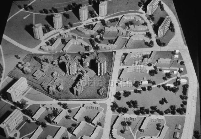 """""""Freizeitanlagen, Gemeinschaftszentren: Projekt Neu Affoltern, Zürich"""" - Modell der Anlage; um 1980"""